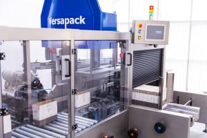 Integrated case packer, case erector and case sealer